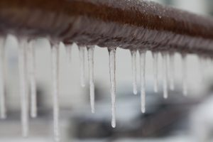 icicles-hanging-from-frozen-pipe